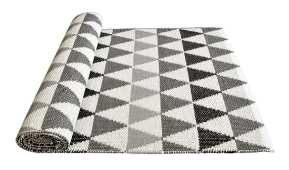 plastic grey rug design- Lina Johansson